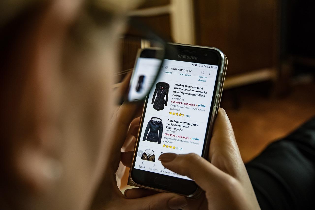 Касса на смартфоне: плюсы, для кого, популярные решения